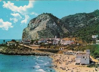 357. GARRAF. Vista general de la playa